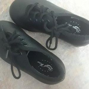 CHILDS BLOCH TAP DANCE SHOES 7MED